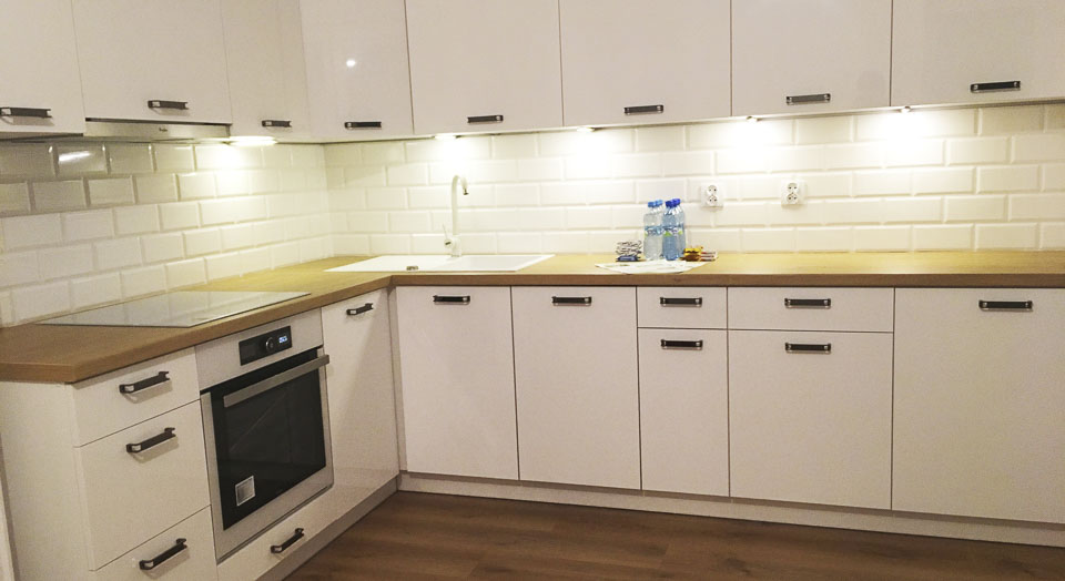 kuchnia drewniano biała