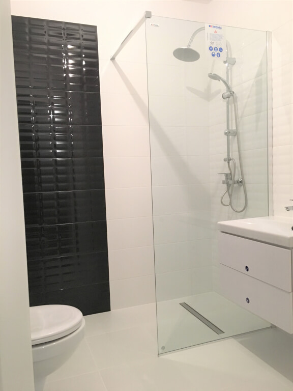 biało czarna łazienka