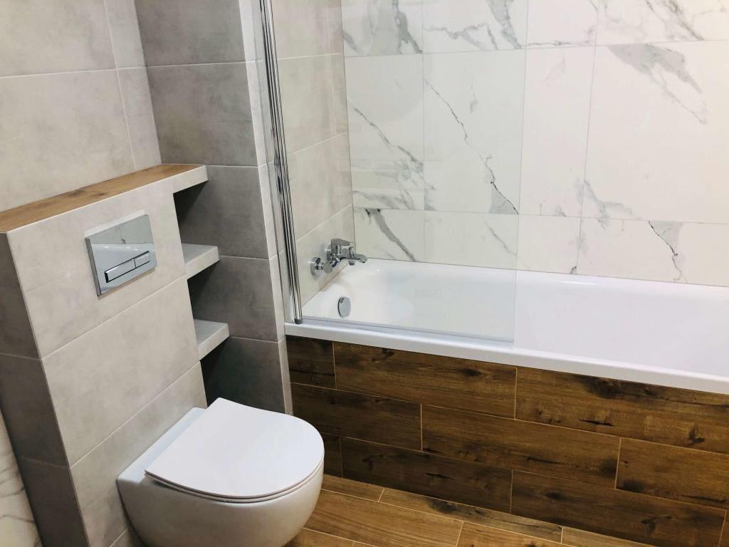 łazienka drewnopodobna