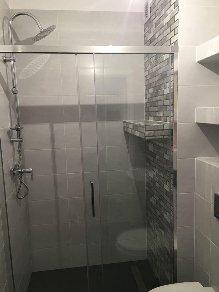 nowoczesna łazienka w bloku