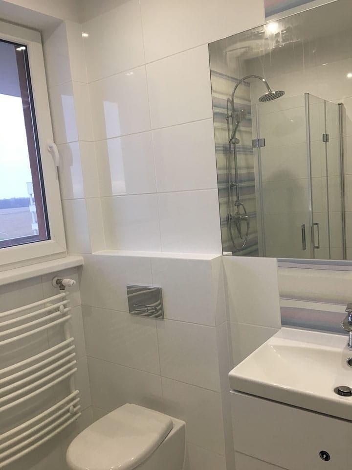 łazienka płytki drewnopodobne