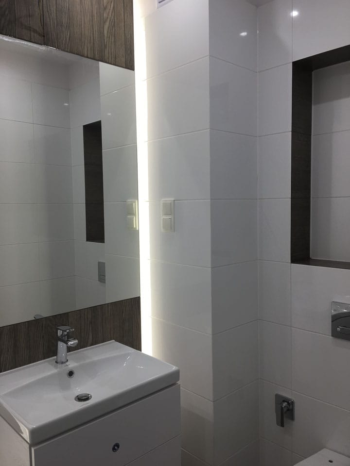 kwieciste płytki w łazience