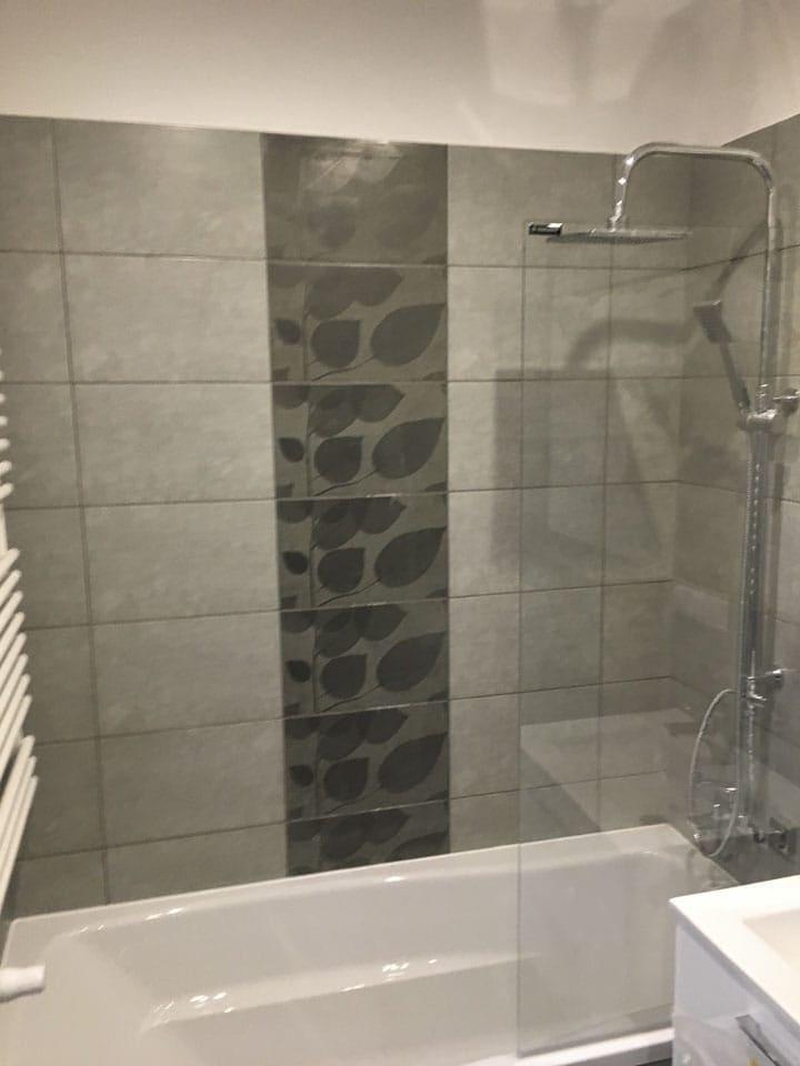 wzorzyste płytki w łazience